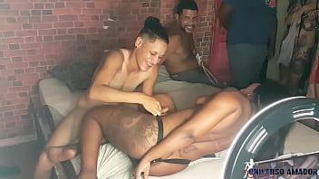 Лесбияночки в трусиках
