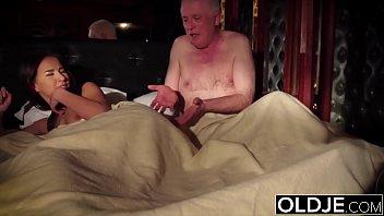 Домашний секс в большой ванной с реальной парочкой из екатеринбурга