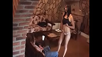 Рыжая куколка очень пришлась по нраву капризному клиенту в сексе
